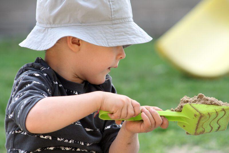 Zabawki ogrodowe dla dzieci – jakie kupić?
