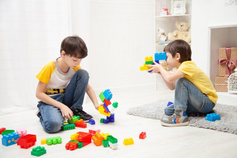 Nauka poprzez zabawę – udany sposób na spędzenie czasu z dzieckiem