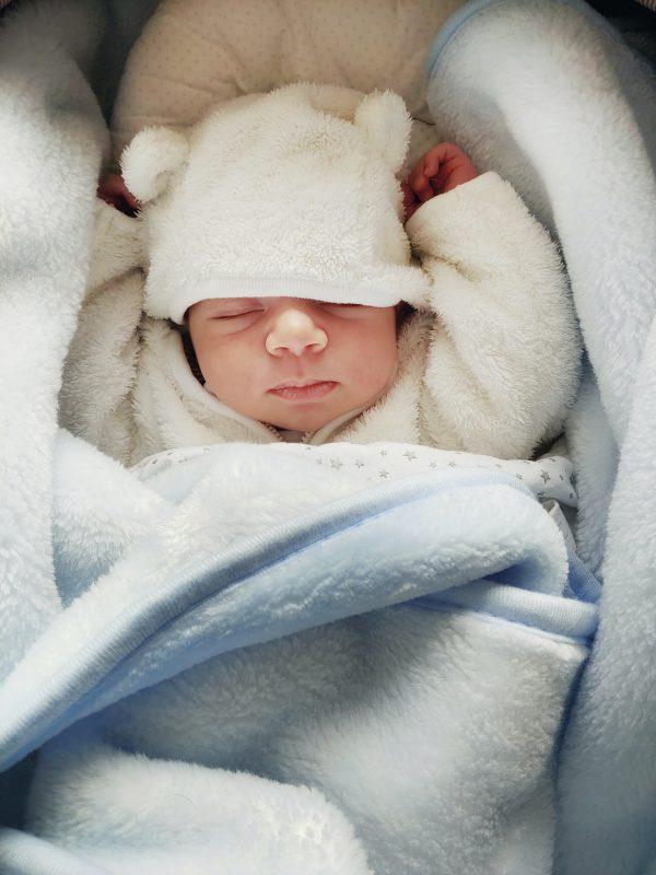 Jak skompletować idealną wyprawkę dla niemowlaka?